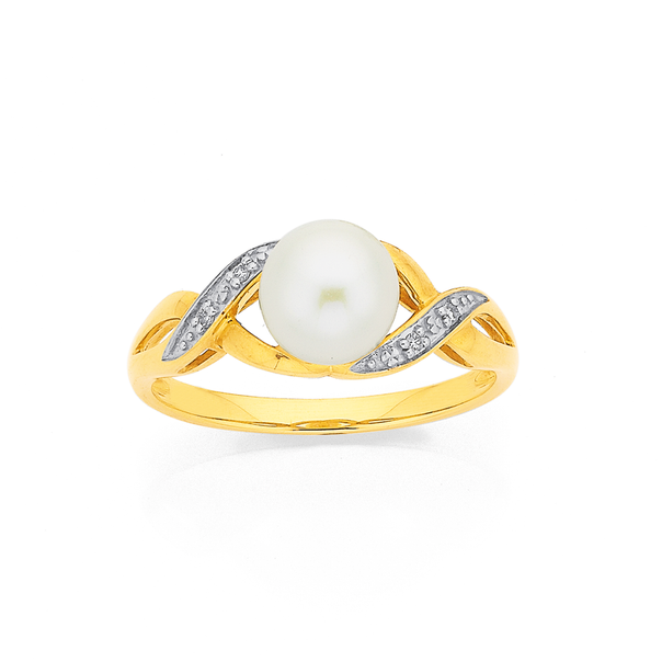 9ct Freshwater Pearl with Diamond Ring